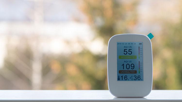 Urządzenie do pomiaru zanieczyszczenia powietrza i temperatury